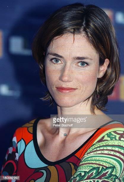 """Julia Bremermann, Porträt, Schauspielerin,;""""Die Traumprinzen"""", Serie,;RTL-Pressekonferenz, """"Telemesse"""",;Düsseldorf, RTL-Stand,"""