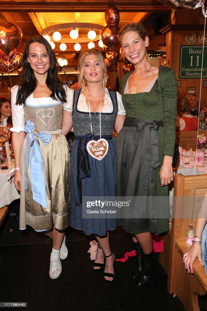 Julia Czechner Luna Schweiger Sarah Brandner During The
