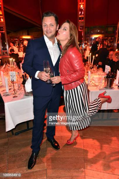 Julia Dahmen and her husband Carlo Fiorito during the VIP premiere of Schuhbecks Teatro at Spiegelzelt on October 25 2018 in Munich Germany