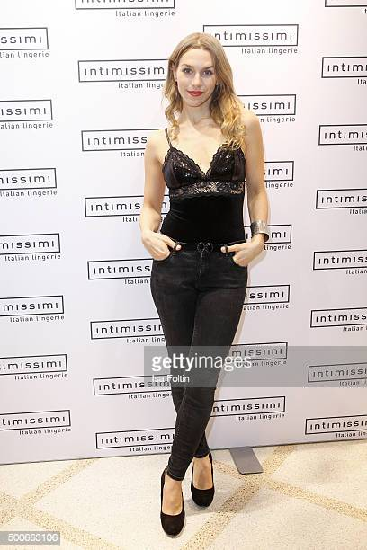 Julia Dietze attends the INTIMISSIMI Christmas Reception on December 09 2015 in Munich Germany