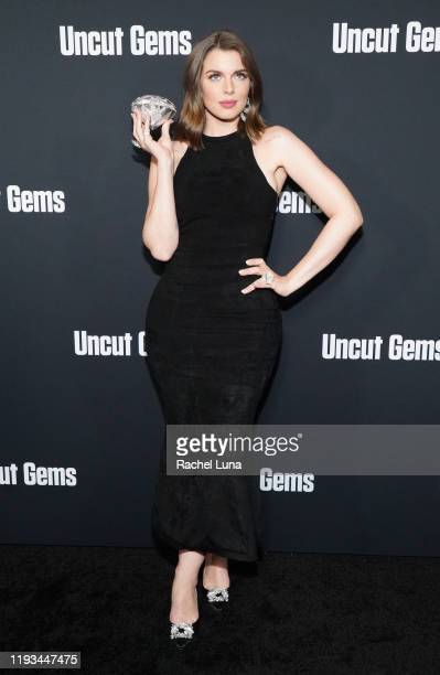 "Julia Fox attends the premiere of A24's ""Uncut Gems"" at The Dome at Arclight Hollywood on December 11, 2019 in Hollywood, California."