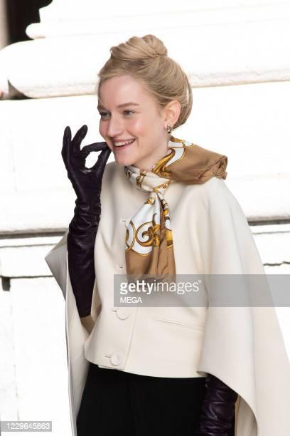 "Julia Garner filming ""Inventing Anna"" on November 16, 2020 in New York City, New York."