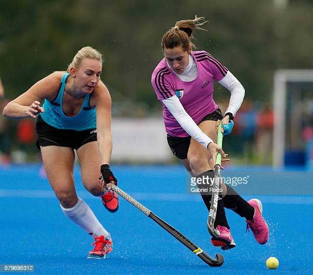 Julia Gomes Fantasia of Argentina fights for the ball during an International Friendly match between Argentina and Ireland at CenARD on July 24 2016...