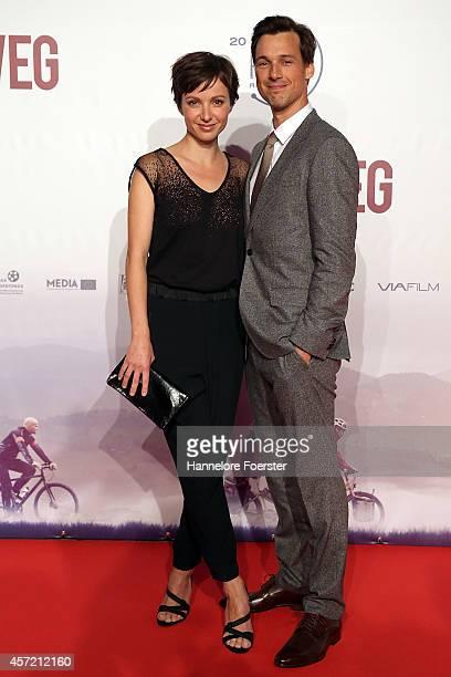 Julia Koschitz and Florian David Fitz attend the premiere of the film 'Hin und weg' at Kinopolis MainTaunus on October 14 2014 in Sulzbach Germany
