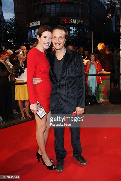 Julia Malik Und Ehemann August Diehl Bei Der Ankunft Zur Verleihung Der First Steps Awards Am 280807 In Berlin