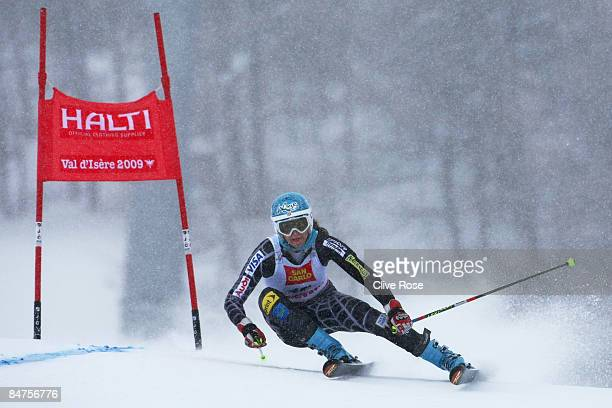 Julia Mancuso of the United States of America skis during the Women's Giant Slalom event held on the Face de Bellevarde course on February 12 2009 in...