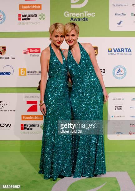 Julia Meise und Nina Meise auf den GreenTec Awards 2015 im Velodrom Berlin am