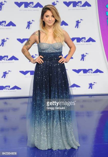 Julia Michaels arrives at the 2017 MTV Video Music Awards at The Forum on August 27 2017 in Inglewood California