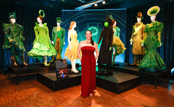 NY: Showstoppers! Spectacular Costumes From Stage & Screen Exhibition Opening