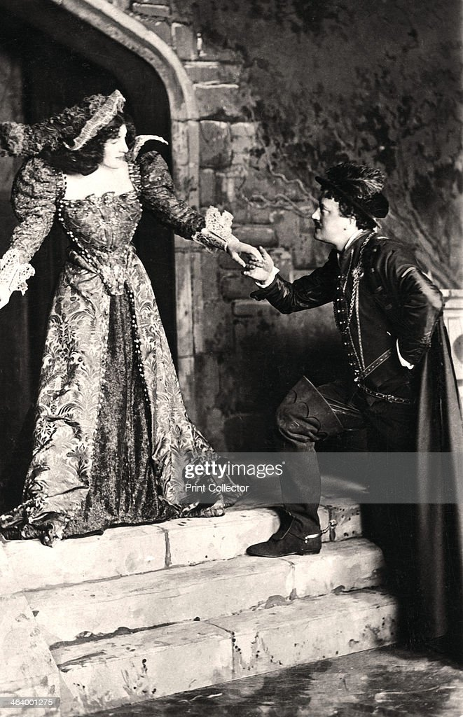 Julia Neilson and Fred Terry in a scene from Dorothy O' The Hall, early 20th century.Artist: Ellis & Walery : News Photo