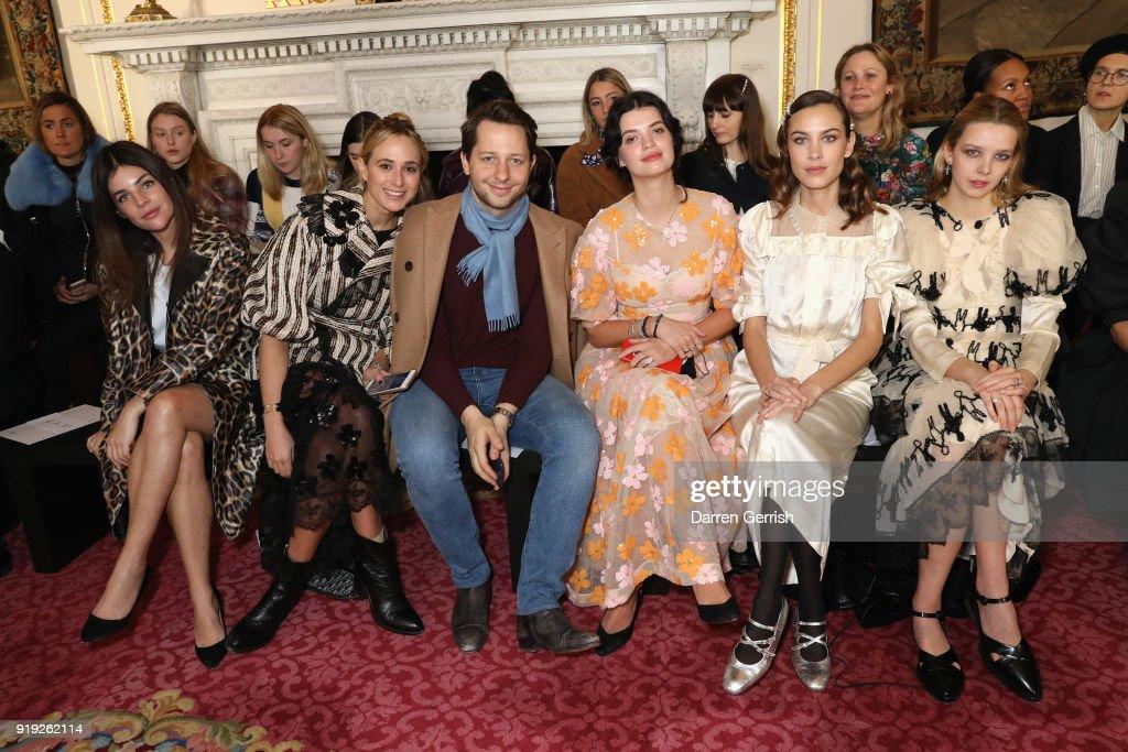 Simone Rocha - Front Row - LFW February 2018 : News Photo