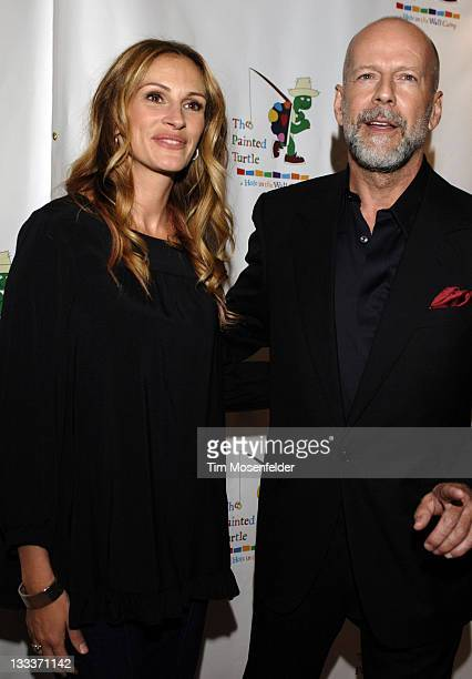 Julia Roberts and Bruce Willis attend Paul Newman's California Camp The Painted Turtle Benefit Concert at Davies Symphony Hall on October 27 2008 in...