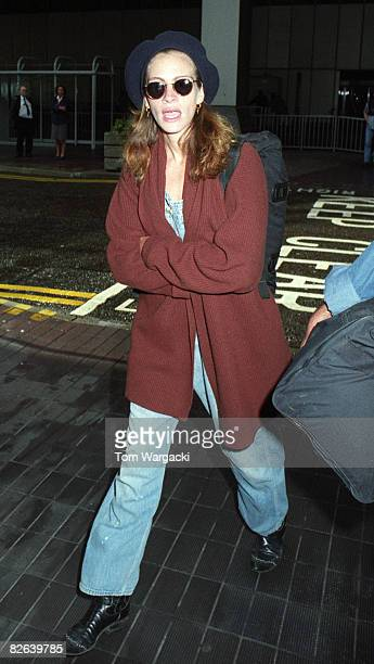 Julia Roberts arriving at Heathrow Airport from Los Angeles on September 30 1992 in London England