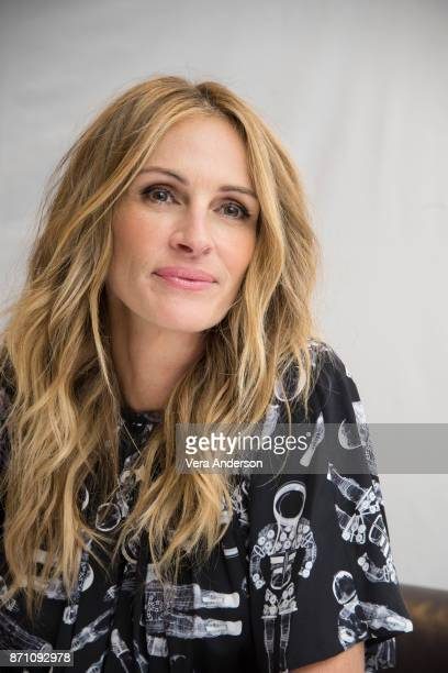 "Julia Roberts at the ""Wonder"" Press Conference at the Langham Hotel on November 5, 2017 in London, England."