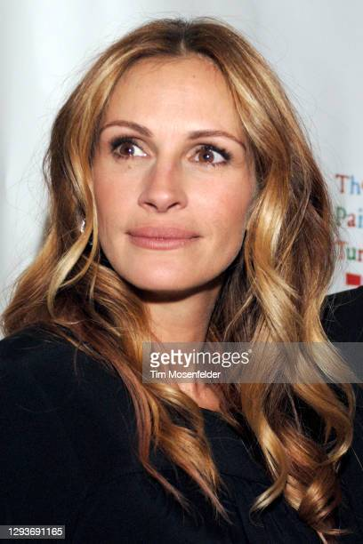 """Julia Roberts attends Paul Newman's California camp """"The Painted Turtle"""" benefit concert at Davies Symphony Hall on October 27, 2008 in San..."""