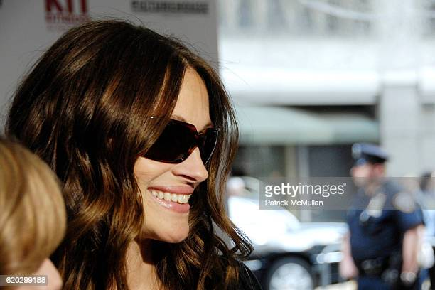 Julia Roberts attends Premiere of PICTUREHOUSE's KIT KITTREDGE: AN AMERICAN GIRL at The Ziegfeld Theater on June 19, 2008 in New York City.