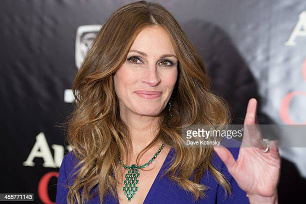 """Julia Roberts attends the """"August: Osage County"""" premiere at Ziegfeld Theater on December 12, 2013 in New York City."""