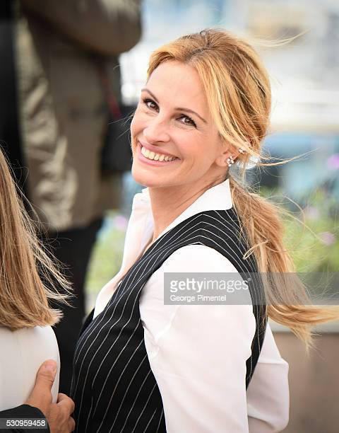 Julia Roberts attends the Money Monster Photocall at the annual 69th Cannes Film Festival at Palais des Festivals on May 12 2016 in Cannes France