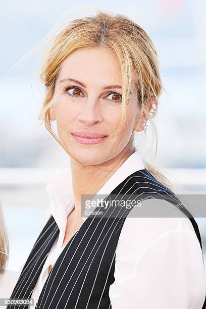Julia Roberts attends the Money Monster photocall during the 69th annual Cannes Film Festival at Palais des Festivals on May 12 2016 in Cannes France
