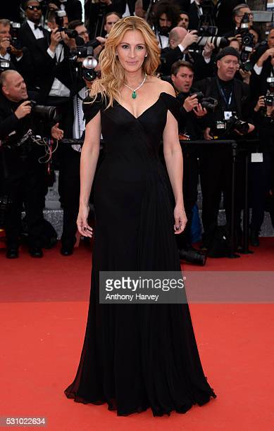 Julia Roberts attends the 'Money Monster' premiere during the 69th annual Cannes Film Festival at the Palais des Festivals on May 12, 2016 in Cannes,...