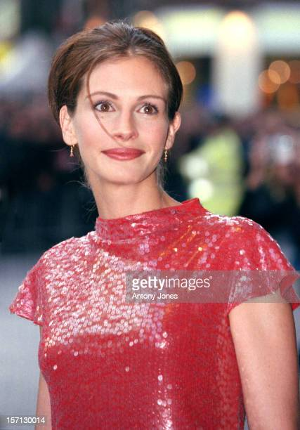 Julia Roberts Attends The World Charity Premiere Of 'Notting Hill'.