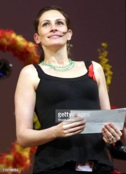Julia Roberts during Broadway Cares 2006 Easter Bonnet Competition at New Amsterdam Theater in New York City New York United States