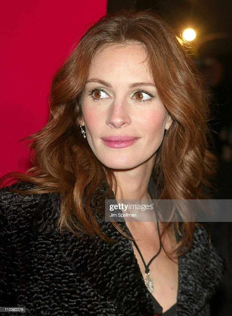 """Mona Lisa Smile"" - New York Premiere - Outside Arrivals : News Photo"