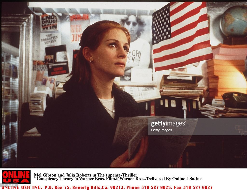 """Julia Roberts In The Suspence Thriller""""Conspiracy Theory"""" : News Photo"""