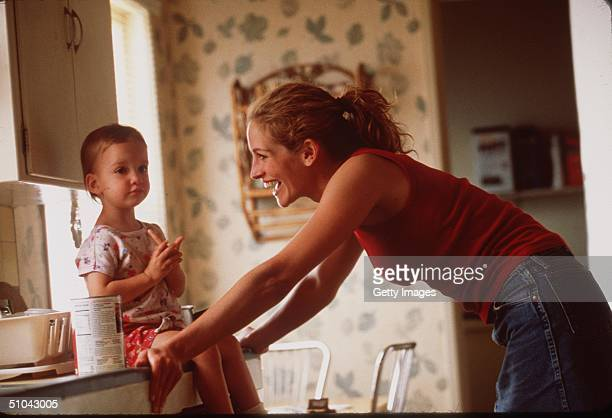 Julia Roberts Stars In The Movie Erin Brockovich