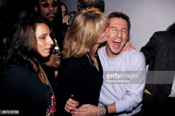 Julia Roberts Todd Oldham Todd Oldham fashion show Bryant Park NYC November 4 1994