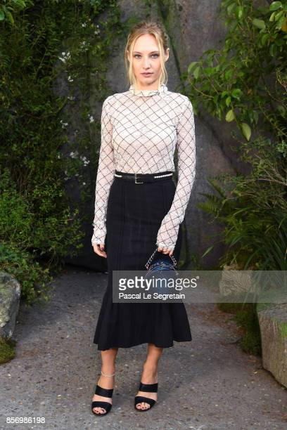 Julia Roy attends the Chanel show as part of the Paris Fashion Week Womenswear Spring/Summer 2018 on October 3 2017 in Paris France