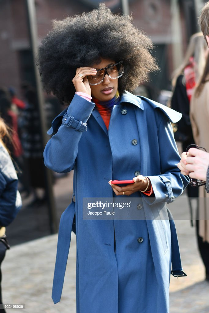 Gucci - Outside Arrivals - Milan Fashion Week Fall/Winter 2018/19 : Fotografía de noticias