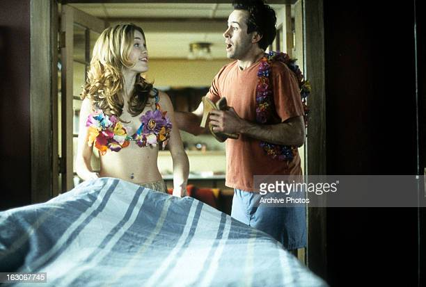 Julia Stiles looks to Jason Lee in a scene from the film 'A Guy Thing' 2003