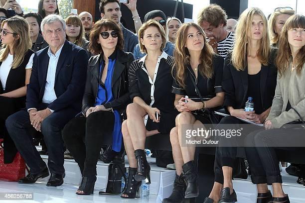 Julia Toledano Sidney Toledano Juliette Binoche Suzanne Clement Keren Ann and Malgosia Bela attend the Maxime Simoens show as part of the Paris...