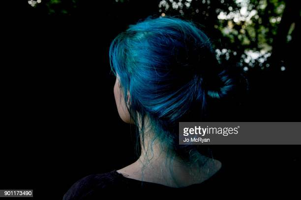 julia with blue hair - blue hair stock pictures, royalty-free photos & images