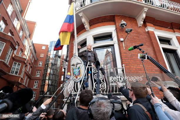 Julian Assange speaks to the media from the balcony of the Embassy Of Ecuador on May 19 2017 in London England Julian Assange founder of the...