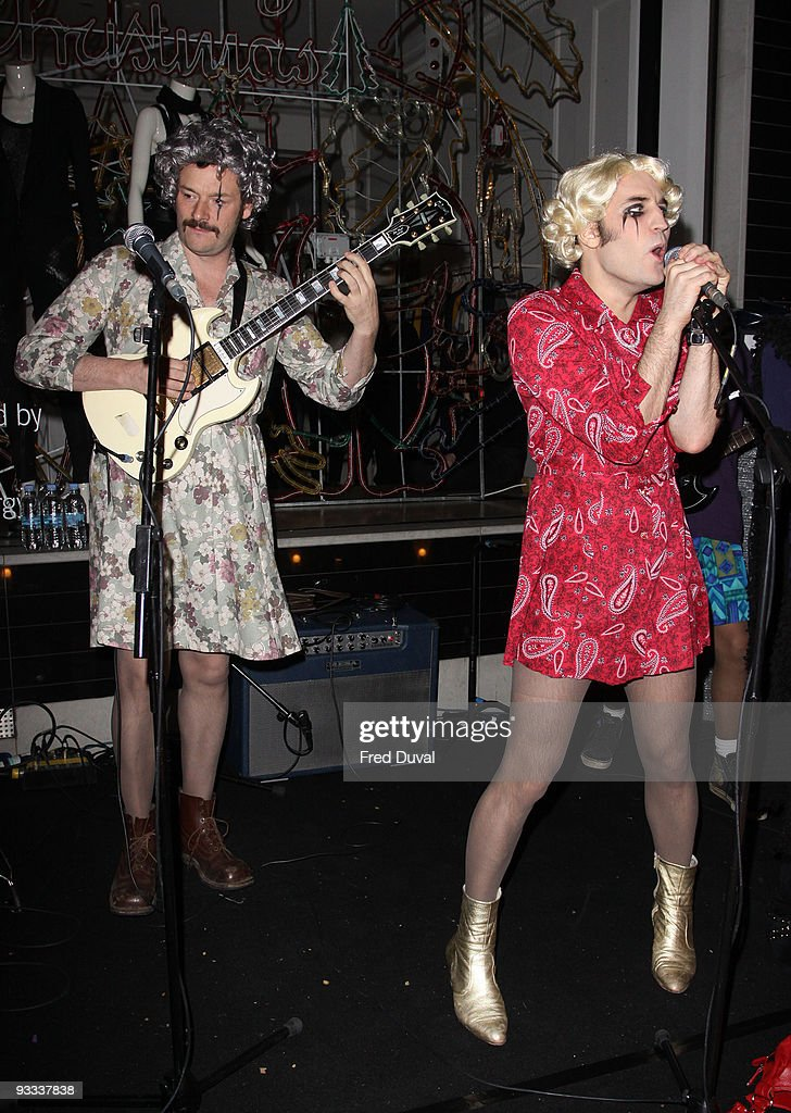 Julian Barratt and Noel Fielding (R) attend the switch on ceremony for the Stella McCartney store Christmas Lights on November 23, 2009 in London, England.