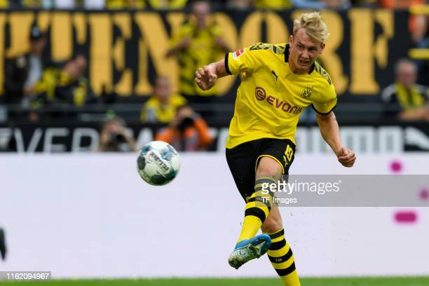 Julian Brandt of Borussia Dortmund scores his team's fifth goal during the Bundesliga match between Borussia Dortmund and FC Augsburg at Signal Iduna...