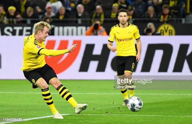 Julian Brandt of Borussia Dortmund scores his team's second goal during the Bundesliga match between Borussia Dortmund and RB Leipzig at Signal Iduna...
