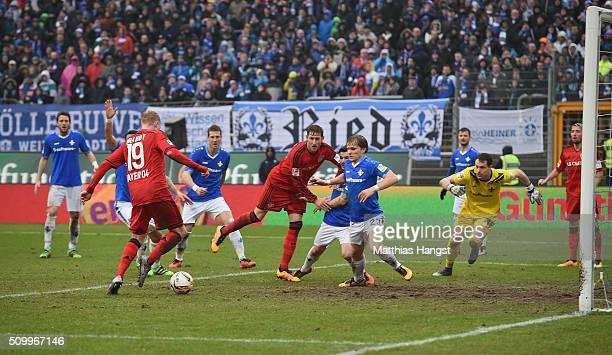 Julian Brandt of Leverkusen scores his team's second goal during the match between SV Darmstadt 98 and Bayer Leverkusen at MerckStadion am...