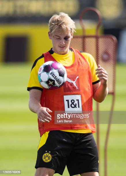 Julian Brandt stops the ball during the first training session of Borussia Dortmund after the summer break on August 03, 2020 in Dortmund, Germany.