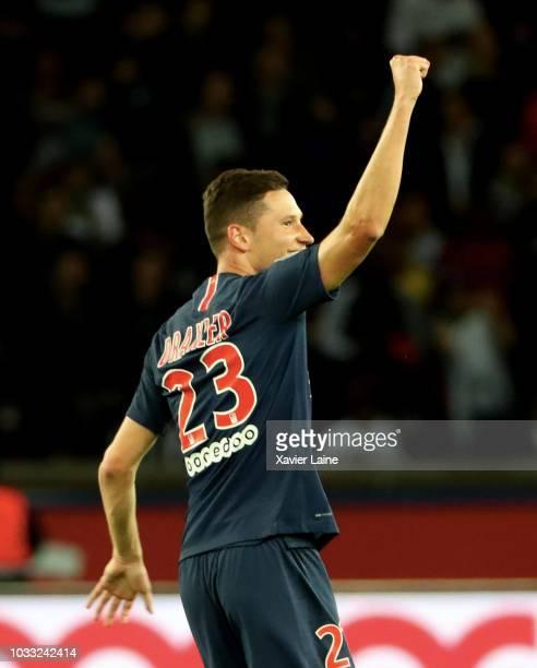 Julian Draxler of Paris SaintGermain celebrate his goal during the French Ligue 1 match between Paris Saint Germain and AS Saint Etienne on September...