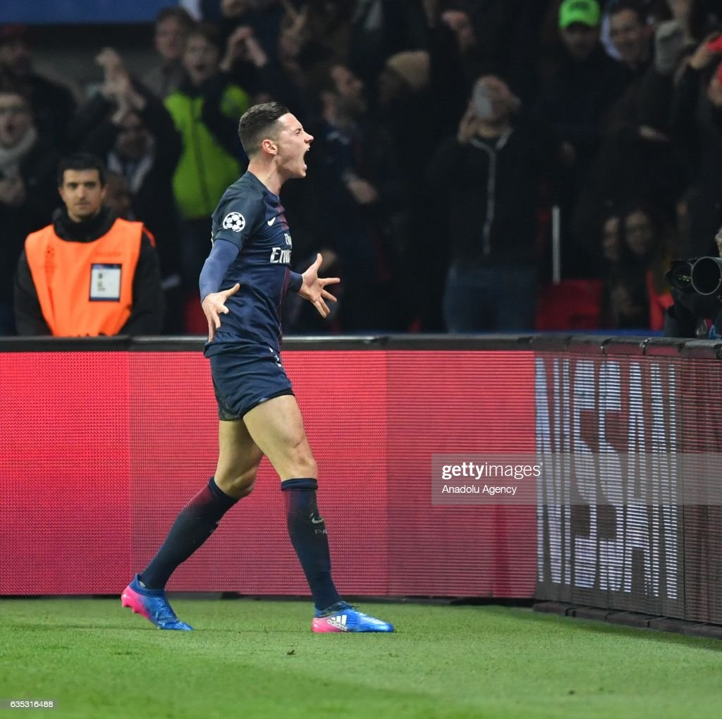 Paris Saint-Germain vs FC Barcelona: UEFA Champions League  : News Photo