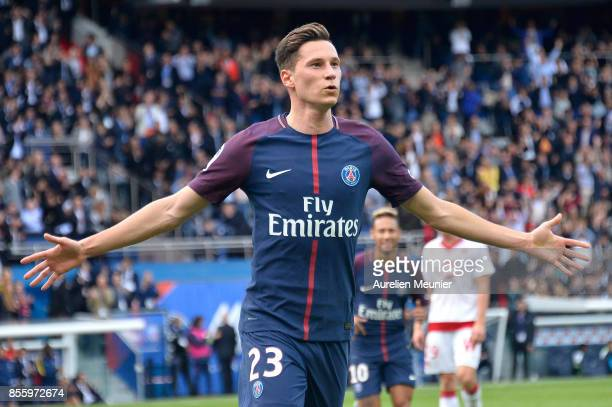 Julian Draxler of Paris SaintGermain reacts after scoring during the Ligue 1 match between Paris Saint Germain and FC Girondins de Bordeaux at Parc...
