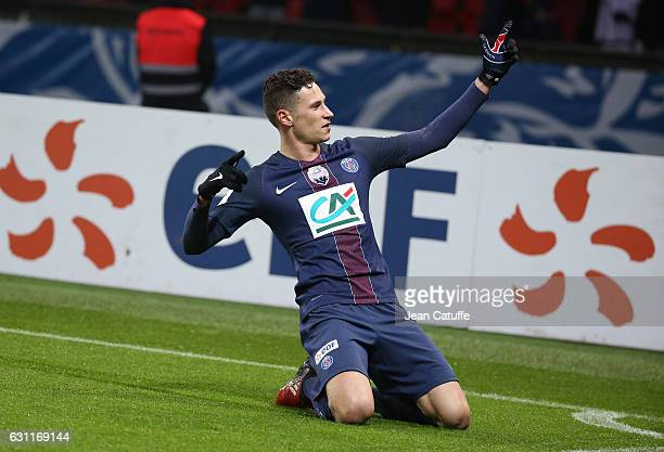 Julian Draxler of PSG celebrates his first goal with his new team during the French Cup match between Paris SaintGermain and SC Bastia at Parc des...