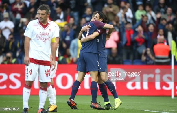 Julian Draxler of PSG celebrates his goal with Edinson Cavani while captain of Girondins de Bordeaux Jeremy Toulalan looks down during the French...