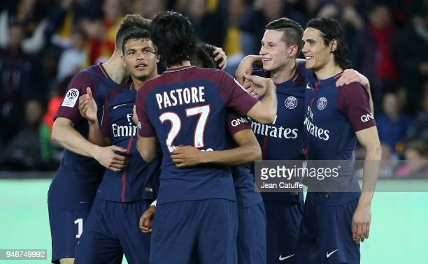 Julian Draxler of PSG celebrates scoring the 7th goal with Thiago Silva Edinson Cavani and teammates during the Ligue 1 match between Paris Saint...