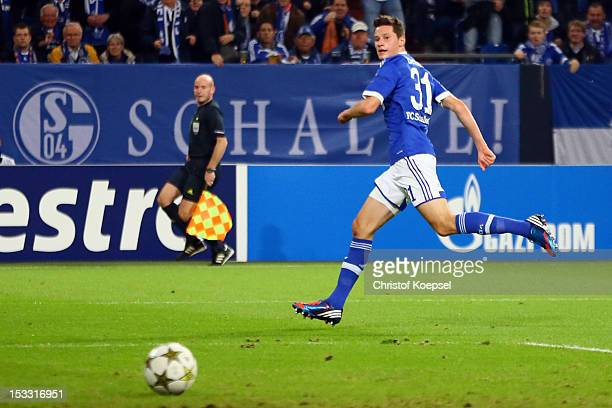 Julian Draxler of Schalke scores the first goal during the UEFA Champions League group B match between FC Schalke 04 and Montpellier Herault SC at...