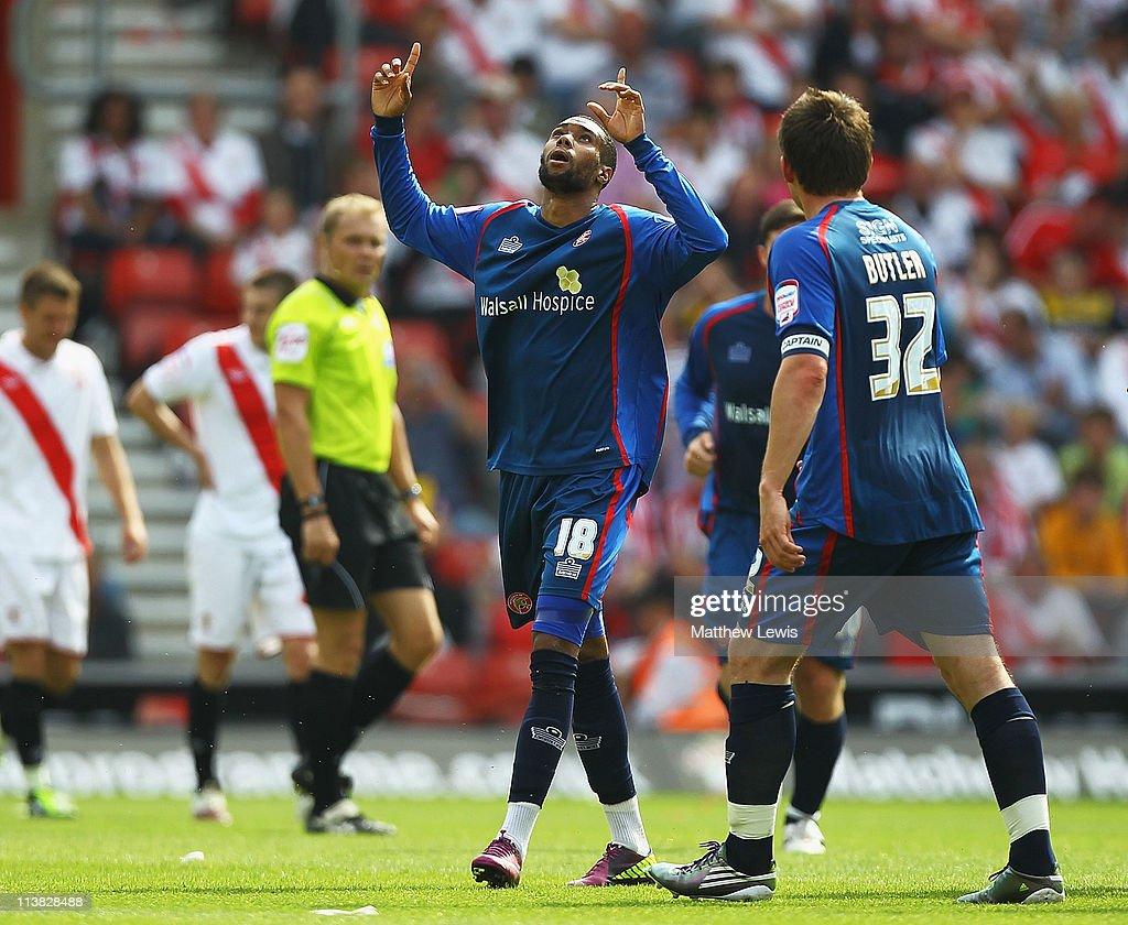 Southampton v Walsall - npower League One : News Photo