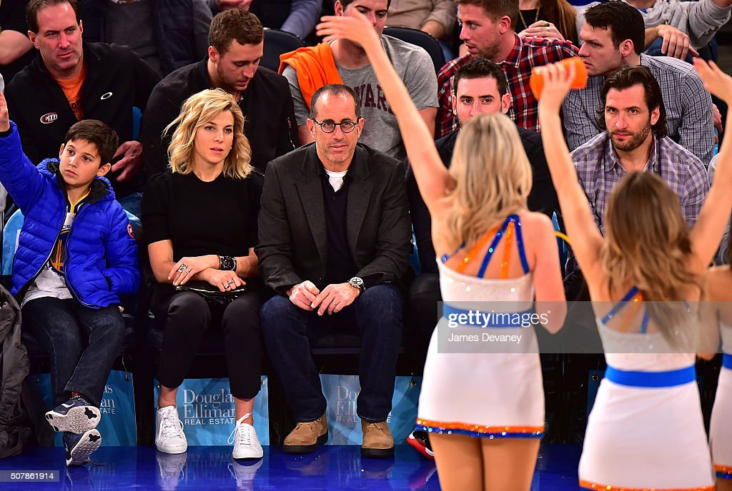 Celebrities Attend The Golden State Warriors Vs New York Knicks Game - January 31, 2016 : ニュース写真